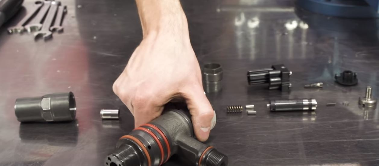 DISASSEMBLY OF DIESEL INJECTORS